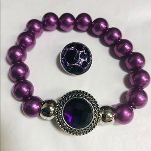 Jewelry - Purple faux pearl snap button bracelet